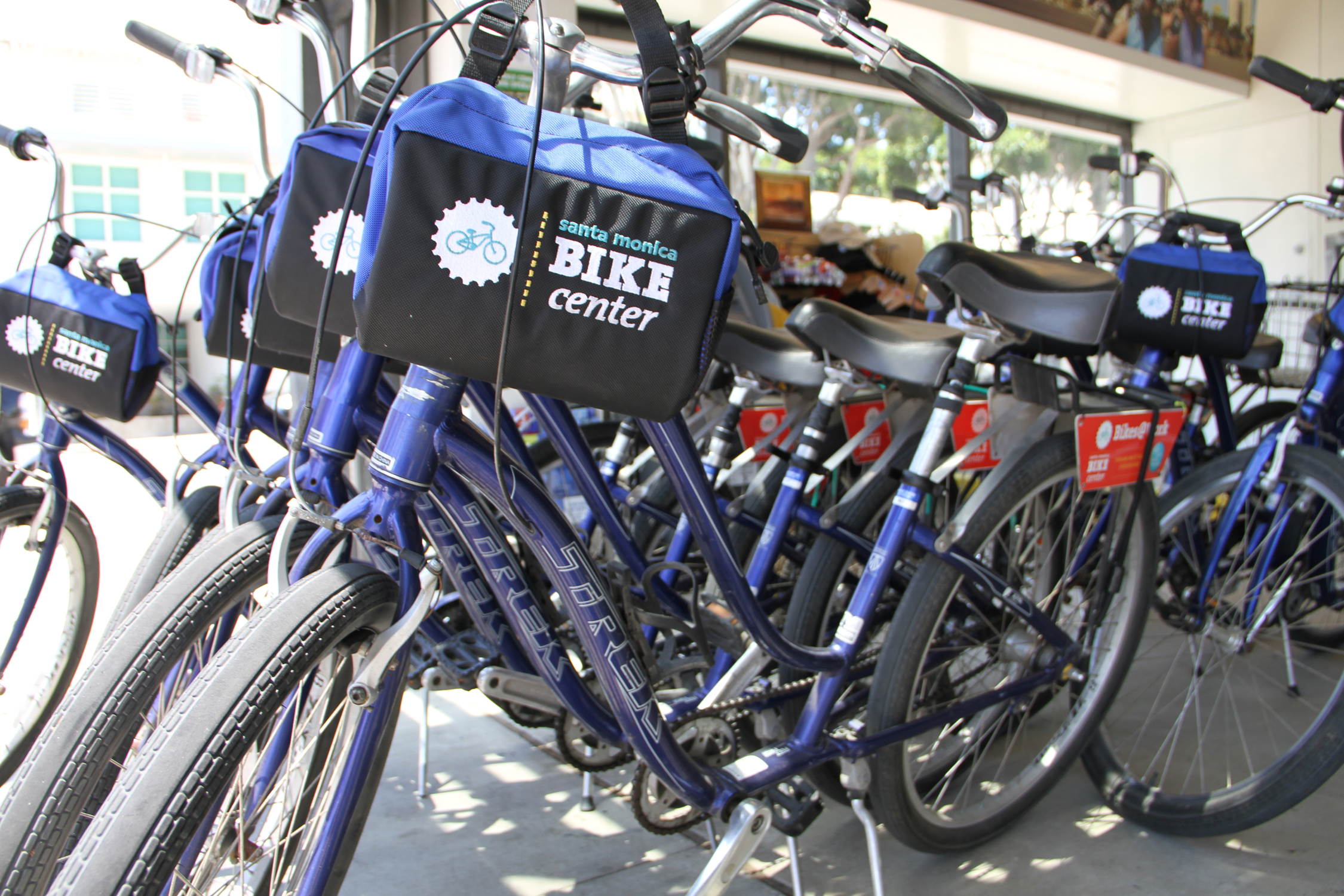The Santa Monica Bike Center is enticing commuters to give up their cars by giving them a free bike to use for two weeks.