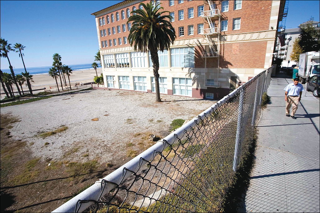 City Hall has agreed to sell this Ocean Way property. (File photo)