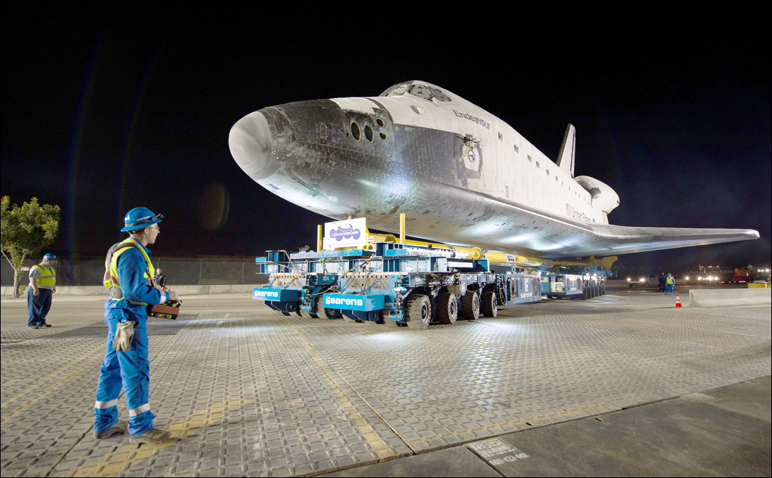Endeavour begins journey to the California Science Center. (Photo courtesy NASA)