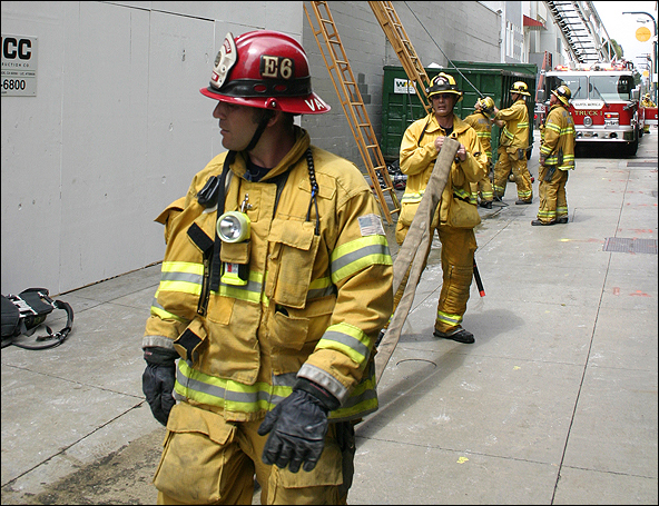 Santa Monica firefighters responded to a structure fire on the Third Street Promenade last year. (Photo by Daniel Archuleta)