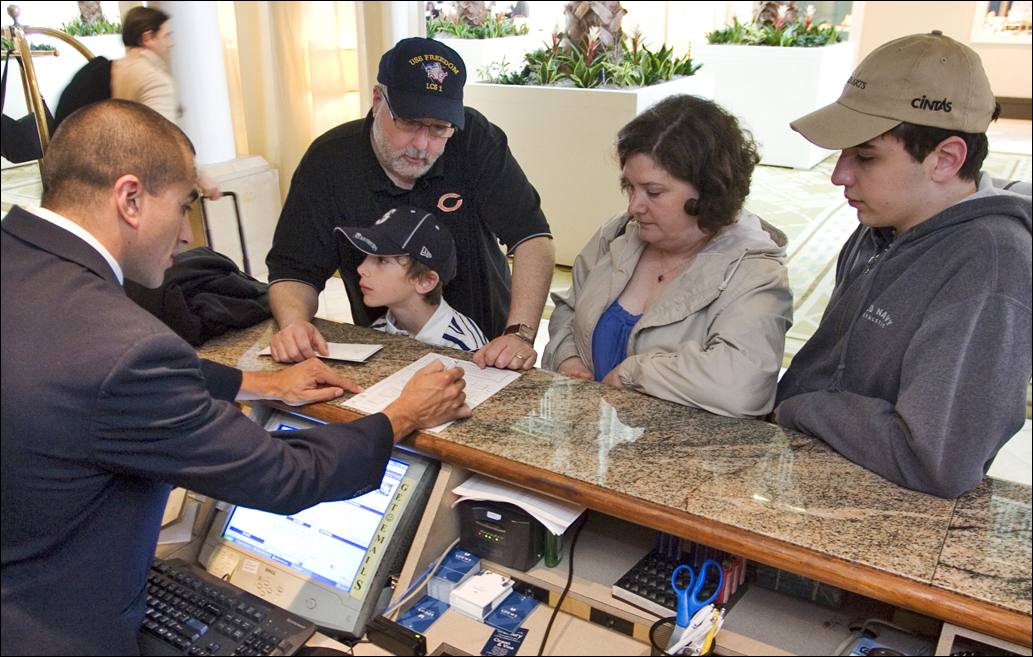 A family from Wisconsin checks into Loews Hotel. (File photo)