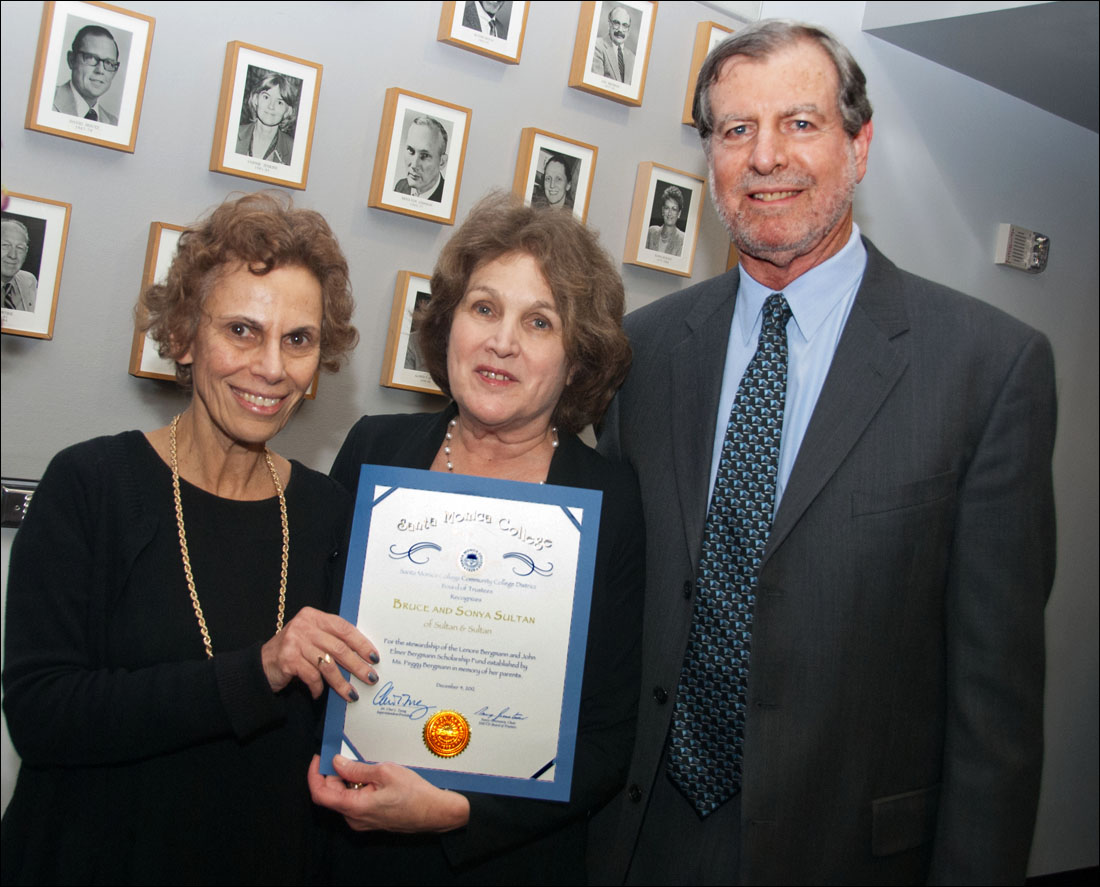 SMC Board of Trustees Chair Nancy Greenstein (left) presents a certificate of appreciation to Santa Monica attorneys Sonya and Bruce Sultan for arranging an $807,500 gift to the SMC Foundation from the Estate of Peggy Bergmann. (Photo courtesy SMC)