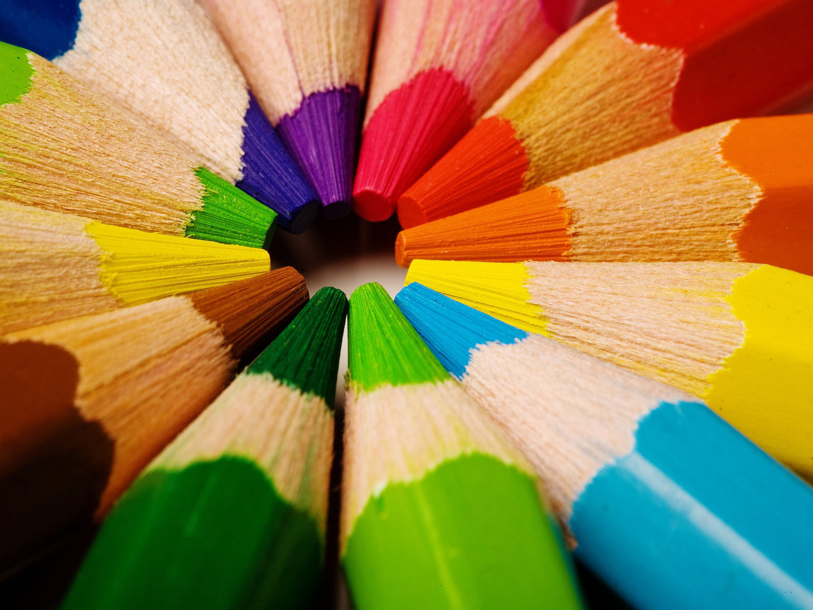 Colored-pencils-large