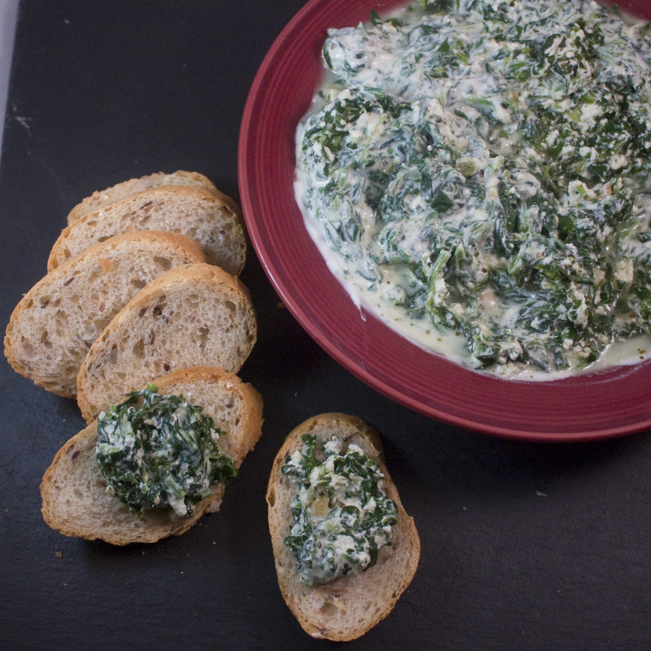 A healthier version of creamy spinach dip will help you manage your weight during the holidays. (Photo courtesy Google Images)