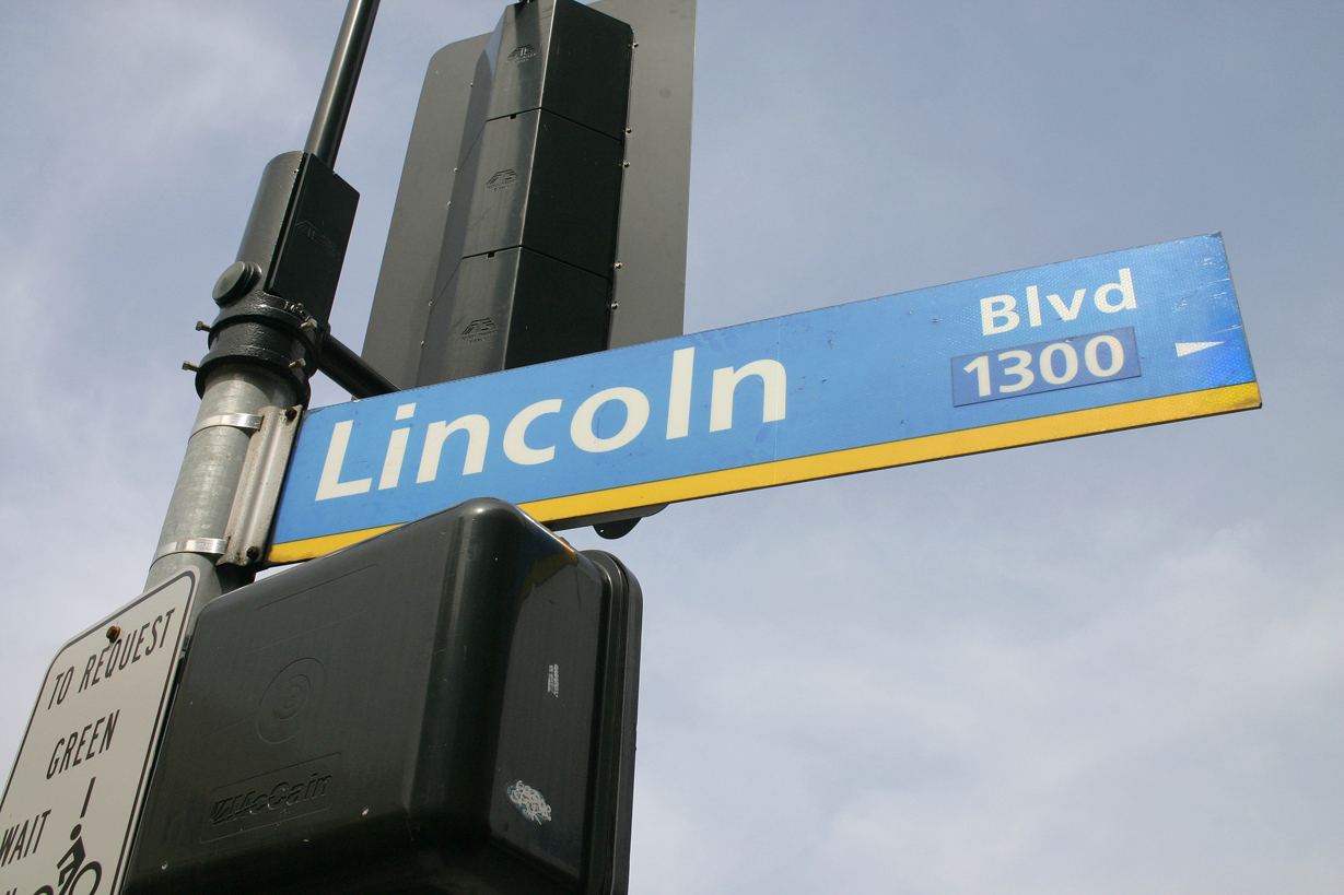 Lincoln Boulevard