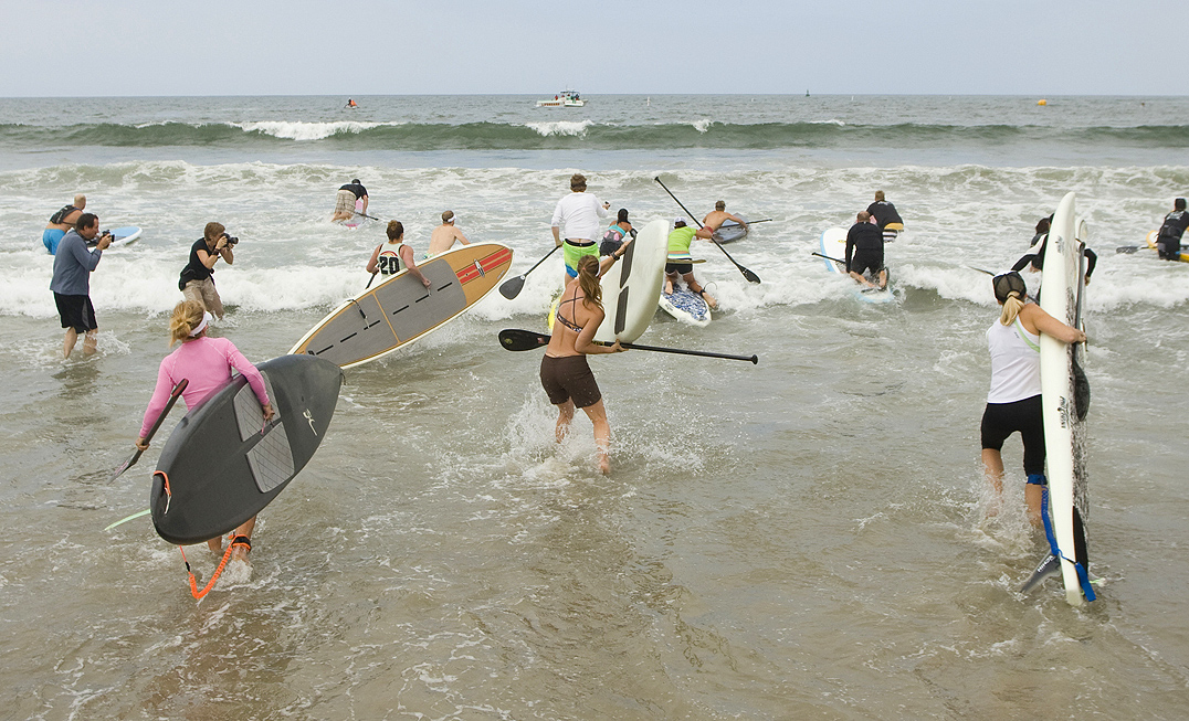 Santa Monica Pier Paddleboard Race & Ocean Festival 2010. (File photo)