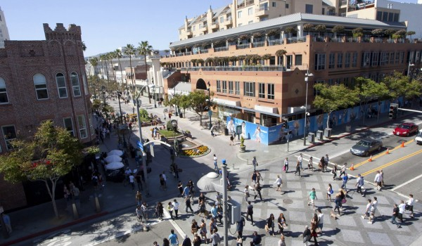The bustling Third Street Promenade, with its combination of restaurants, retail and street performers, helped Santa Monica make the list of most exciting suburbs. (File photo)