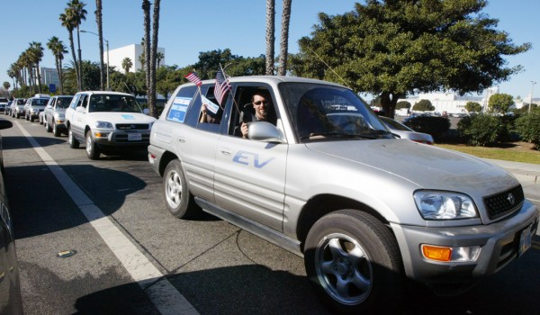 RIDING: A parade of electric vehicles makes its way through Santa Monica in 2009. (Photo courtesy Byron Kennerly)