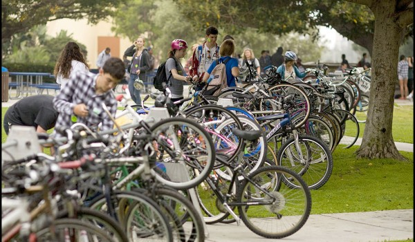 Samohi students lock up their bikes. (File photo)