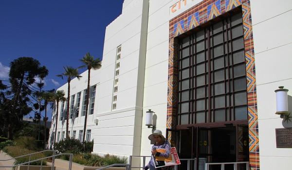 Santa Monica City Hall (Daniel Archuleta daniela@smdp.com)