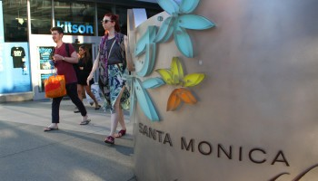 COMING ATTRACTION: A movie theater may be coming to the third floor of Santa Monica Place. (Daniel Archuleta daniela@smdp.com)