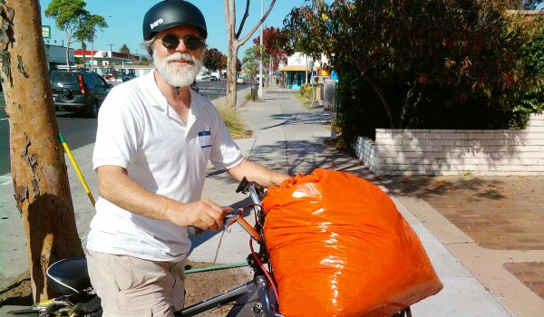 Jan Ludwinski from the Ocean Park Association took part in Saturday's cleanup on Lincoln Boulevard. (Photo courtesy Killeen Pilon)