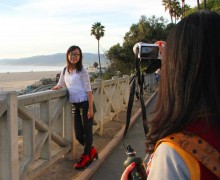 Tourists Can Wang (right) and Weiyang Yan take a picture in Palisades Park on Thursday. The pair was visiting from Chicago where they are exchange students from China. (Daniel Archuleta daniela@smdp.com)