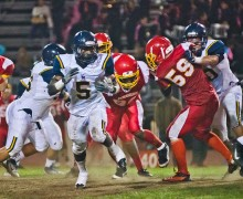 Samohi's Zack Cooper runs for a gain against Hawthorne last week. (Paul Alvarez Jr.)