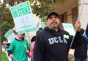UNITED: UCLA Medical Center, Santa Monica workers held a one-day strike on Wednesday to bring attention to what they call intimidation. (Daniel Archuleta daniela@smdp.com)