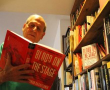 Author Amnon Kabatchnik reads from his book, 'Blood on the Stage.' (Daniel Archuleta daniela@smdp.com)