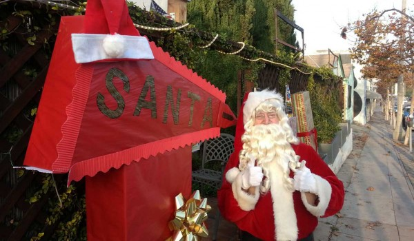 DUDE IN RED: Santa Claus will be on Pico Boulevard Saturday to spread some holiday cheer at the annual Winter Holiday Art Walk. (Photo courtesy Pico Improvement Organization)