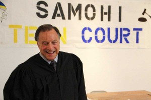 LAW MAN: Honorable Judge David S. Wesley speaks Tuesday with an observer during the newly-formed Samohi Teen Court. (Daniel Archuleta daniela@smdp.com)