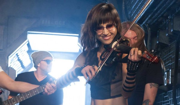 PLAYING ALONG: Violinist Christine Wu on set during Billy Ray Cyrus' 'Achy Breaky 2' music video shoot at Laurel Canyon Stages on Jan. 7. (Photo courtesy Adrian Sidney/Picturegroup)
