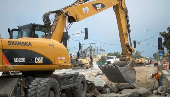 The intersection of Lincoln Boulevard and Colorado Avenue was closed last week. (Paul Alvarez Jr. editor@smdp.com)