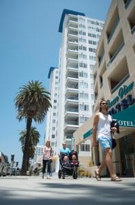 People stroll down Ocean Avenue on Saturday. (Paul Alvarez Jr.)