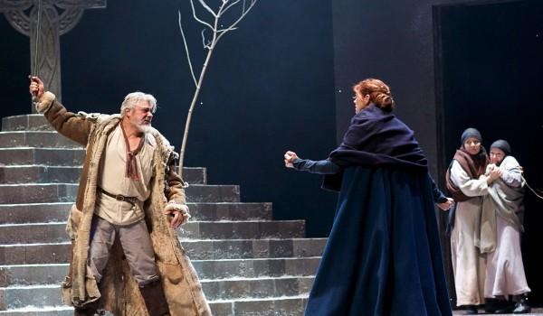 Darrell D'Silva (Siward) and Siobhan Redmond (Gruach/Lady MacBeth) in Dunsinane