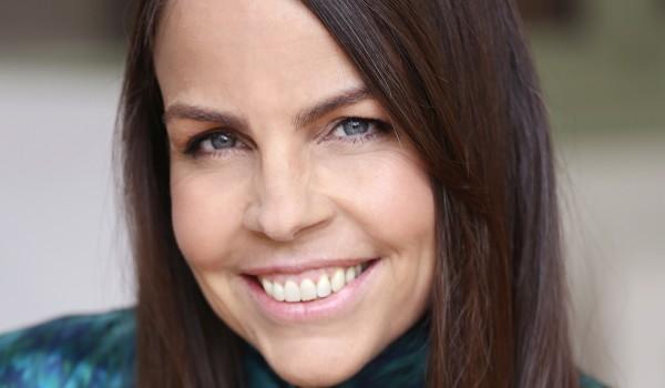 Margaret Stohl headshot