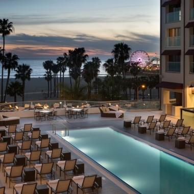 loews hotel pool